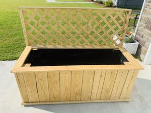 Custom Built Planter for Sale in Winterville, NC