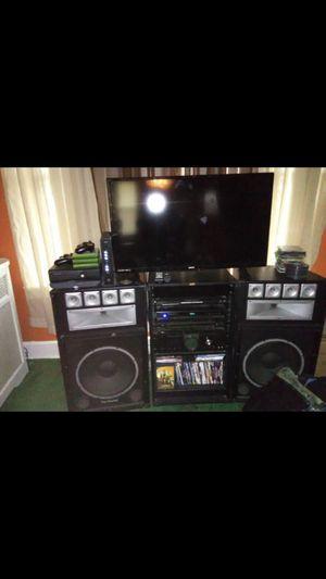 Stereo system for Sale in Camden, NJ