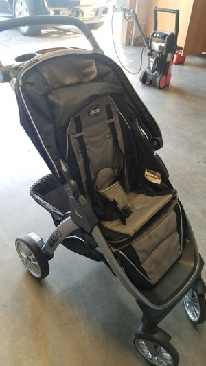 Chicco stroller for Sale in Montclair, CA