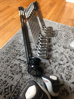 Titleist Golf Set for Sale in Chicago, IL