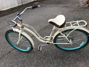 Schwinn faihaven women's bike, 7 speeds , cruiser type for Sale in Virginia Beach, VA