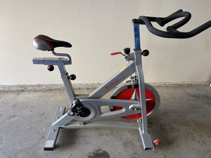 Stationary Bike in excellent condition for Sale in San Diego, CA