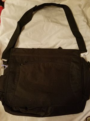 Computer carrying case PRICE REDUCED for Sale in Mabelvale, AR