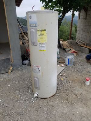 Electric water heater for Sale in Escondido, CA