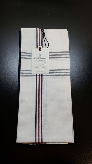 2 pack kitchen towel Plaid/Berry for Sale in Peoria, IL