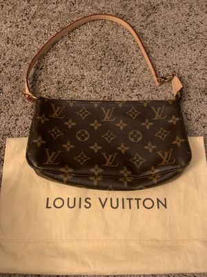 Brand new Louis Vuitton Pochette Shoulder Bag for Sale in Del Mar, CA