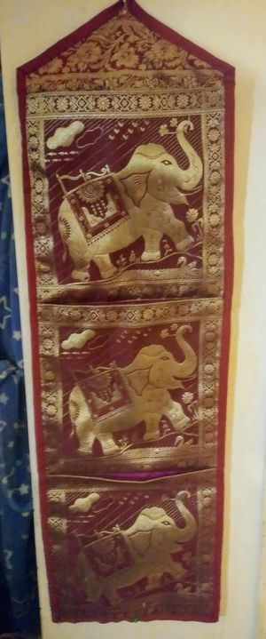 Vintage 3 pocket storage elephant wall hangin for Sale in Pittsburgh, PA