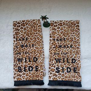 Leopard prind towel set for Sale in Murrieta, CA