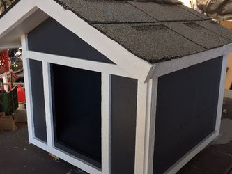 Dog House for Sale in Claremont,  CA