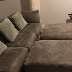 Couch for Sale in Mableton, GA