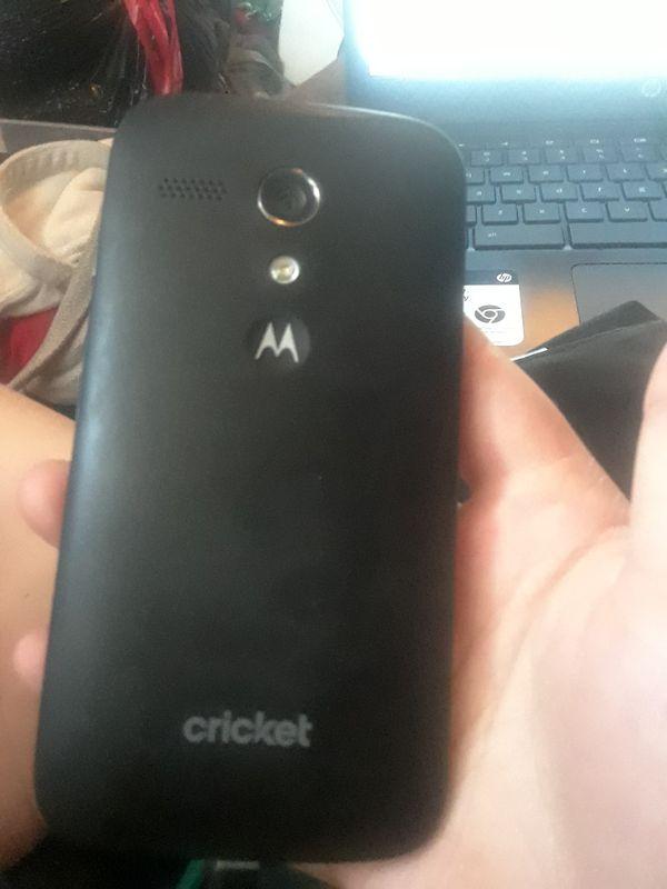 Unlocked/uncracked Motorola phone