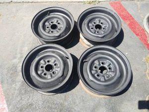 Original 50s ford thunderbird 14 inch steel rims for Sale in Pico Rivera, CA