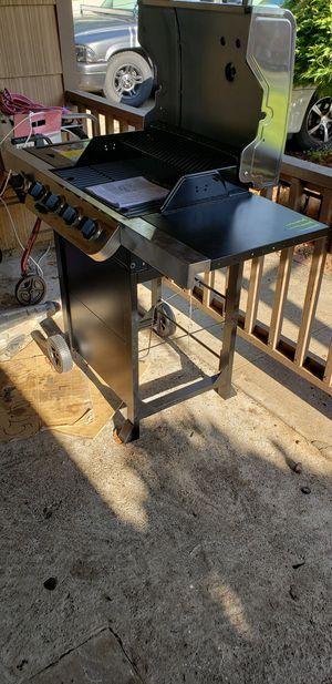Char-Broil Performance 4-burner Grill for Sale in Gresham, OR