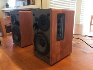 Edifier R1280T Powered Bookshelf Speakers for Sale in Tacoma, WA