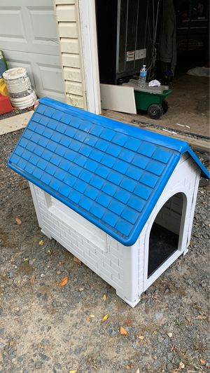 Doggie house (small dogs) for Sale in Herndon, VA