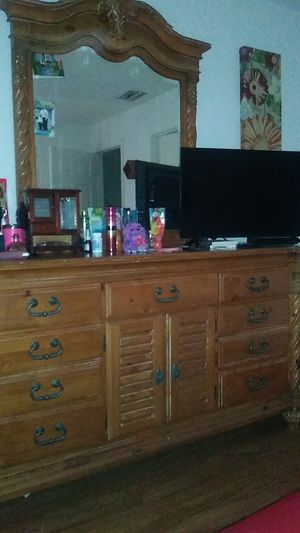 Real wood dresser. With 2 tables for Sale in Kissimmee, FL