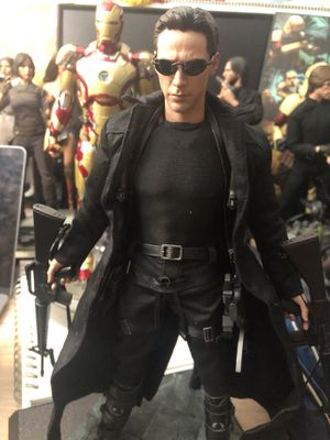 Hot Toys The Matrix 1/6 Neo Figure Keanu Reeves for Sale in Oakland, CA