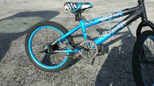 Nice kids bike with pad for Sale in Orlando, FL