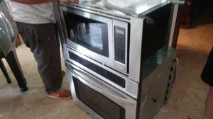 Kenmore oven and microwave for Sale in Pembroke Park, FL