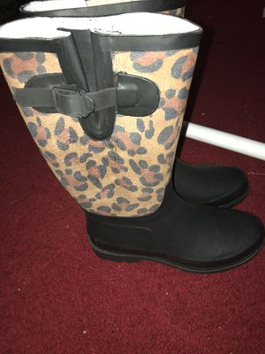 7.5 size rain boots for Sale in Garner, NC