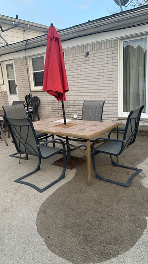 Outdoor patio set for Sale in Livonia, MI