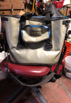 Yeti 30 soft cooler with accessories pouch for Sale in Oakland, CA