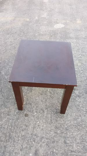 Pretty night stand for Sale in Las Vegas, NV