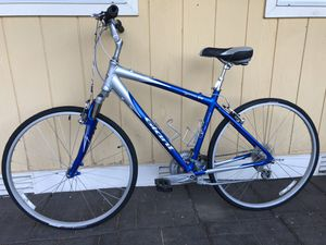 "19"" Giant Cypress DX 24 Speed Comfort Commuter Bike for Sale in Redmond, WA"