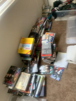 LOTS OF MANGA BOOKS DIRECT MESSAGE ME FOR MORE INFORMATION for Sale in Soledad, CA