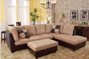 New sectional with storage Ottoman for Sale in Kent, WA