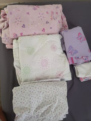 FREE FREE Sheets for girl Twin size for Sale in Miami, FL