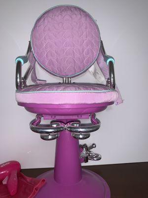 "18"" doll hair salon chair for Sale in Midland, TX"