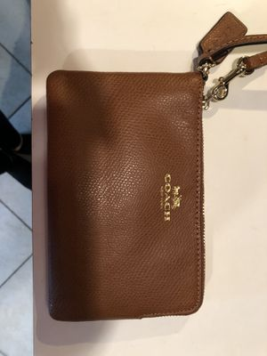 Coach Leather Wristlet - Camel for Sale in UPPR MORELAND, PA