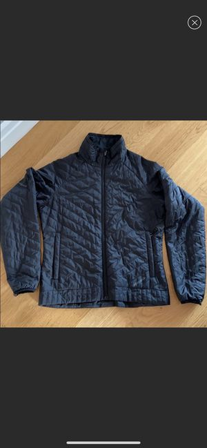 Patagonia woman black lightweight jacket. Size S for Sale in Brooklyn, NY