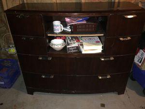 ArtVan Najarian Furniture Co. TV Stand Dresser for Sale in Grosse Pointe Park, MI