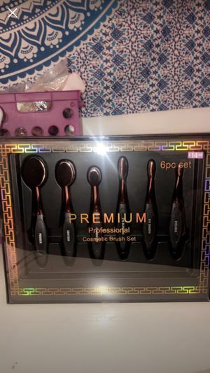 Makeup brush set for Sale in Quincy, MA