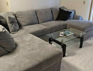 Sectional Couch- FREE DELIVERY!! for Sale in Seattle,  WA