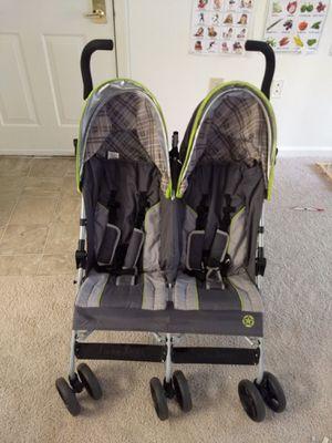 Double umbrella stroller for Sale in Herndon, VA