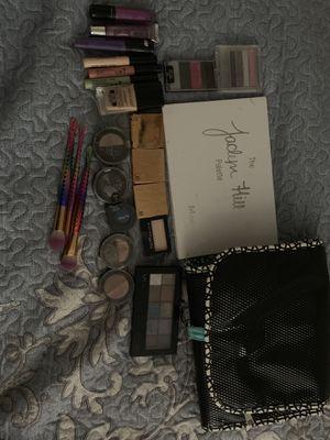 Makeup bundle for Sale in Rialto, CA