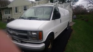 2000 chevy express 2500 for Sale in New Britain, CT