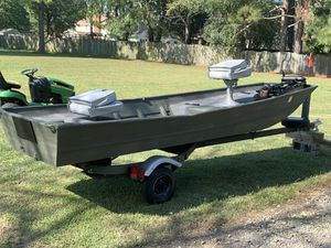 14 ft Lowe Jon boat, motor and trailer water ready! for Sale in Chesapeake, VA