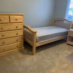 Maple Twin Bed With Mattress , 6 Drawer Dresser, Night Stand for Sale in Auburn, WA