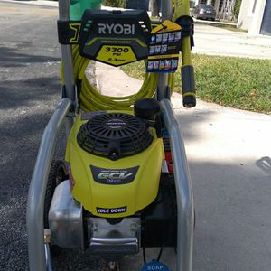 3300 PSI 2.3 GPM Cold Water Gas Pressure Washer with Honda GCV190 Idle Down for Sale in Hollywood, FL