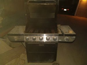 BBQ stainless 4 burner and side grill for Sale in Lake Elsinore, CA