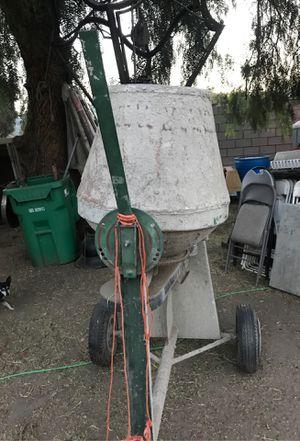 Revolvedora de cemento for Sale in Baldwin Park, CA