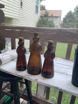Aunt jemima antique bottles found in my grandparents barn I have maybe 20 or 30 for Sale in Calhoun, GA