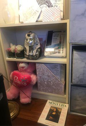 White Shelf Bookcase for Sale in Sacramento, CA