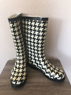 Rain Boots Black/White 7 for Sale in Las Vegas, NV