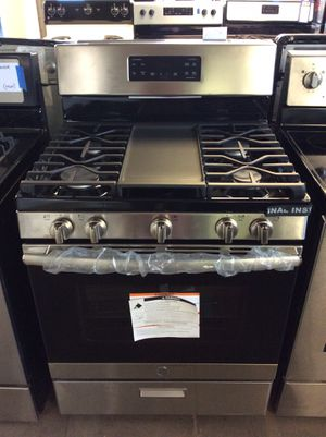 (Anoka 4258-SM LM) GE Stainless Steel 5 Burner Gas Stove for Sale in Anoka, MN