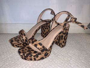 Leopard cheetah print chunk heels with toe strap & wrap around ankle strap , size 7.5, faux suede, never been worn for Sale in Columbus, OH